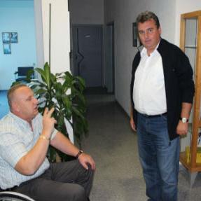 Riječ je o uspješnoj kompaniji koja proizvodi ortopedska pomagala i na području Bihaća djeluje od 2005.godine, te trenutno zapošljava 52 radnika kako u Bihaću , tako u u podružnicama na području cijele BiH.