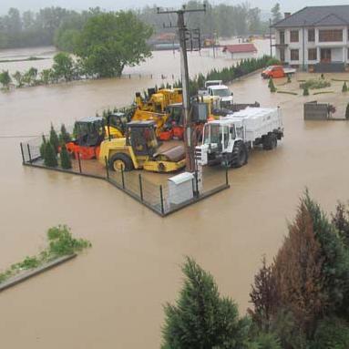 Zemlje donatori za pogođene poplavama u BiH održaće sastanak s predstavnicima institucija BiH, na kojem će zatražiti informaciju o planovima i trošenju novca prikupljenog na donatorskoj konferenciji.