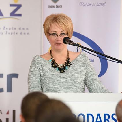 Forum je posvećen prvenstveno mladim ljudima, ali i informacijskim tehnologijama i konkuretnosti znanja.