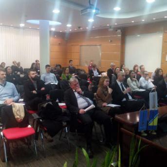 Vijeće stranih investitora i Privredna komora FBiH organizovali stručnu raspravu na temu radno-pravnog zakonodavstva u FBiH.