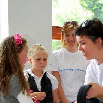 Roche uručio donaciju učenicima u cerskoj