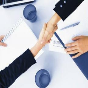 Pozivni kontakt centra prvi je projekat ovakve vrste u službama za zapošljavanje u regionu, a odnosi se na cjelodnevno održavanje komunikacije sa korisnicima usluga, nezaposlenim licima i poslodavcima.