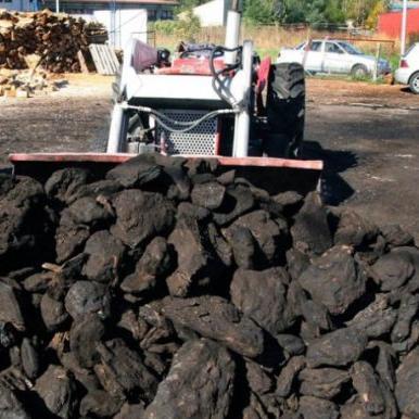 Rudnik mrkog uglja Kamengrad u Sanskom Mostu bit će zatvoren. Bez posla bi moglo ostati 29 radnika. U Upravi za inspekcijske poslove Federacije tvrde da rudnik nema dozvolu za rad, kao ni koncesiju za eksploataciju rude.
