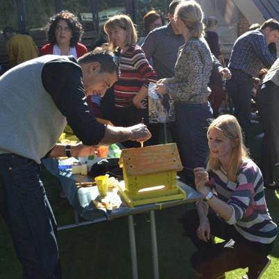 UniCredit Bank donirala kućice i hranilice za ptice