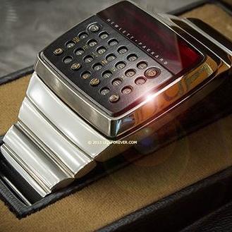 """Preteča pametnih satova: U prodaji """"pametni"""" sat iz 1977."""