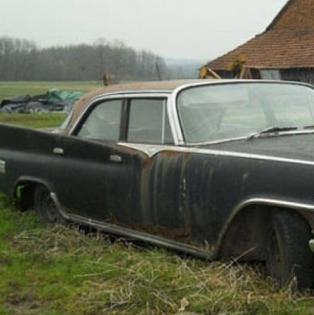 Titov Chrysler koji mu je poklonio Kennedy propada na njivi u Prnjavoru