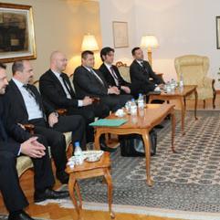 Glavna tema razgovora bila je prodaja nafte i naftnih derivata na tržištu Federacije BiH kojima su dodati aditivi i tako povećana njihova energetska učinkovitost.