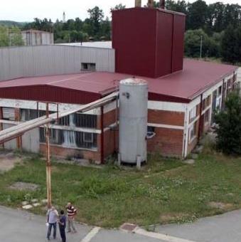 Početak izgradnje proizvodnih pogona u novoosnovanoj Poslovnoj zoni Ramići je neizvjestan, jer kupci parcela još nisu podnijeli zahtjeve za građevinske dozvole.
