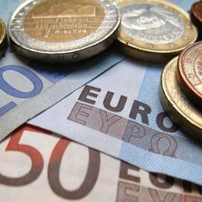 Hrvatska treba provesti znatne dodatne reforme kako bi se popravilo teško stanje u gospodarstvu i potrebna je snažna fiskalna konsolidacija, ističe nakon posjeta Hrvatskoj Misija MMF-a.