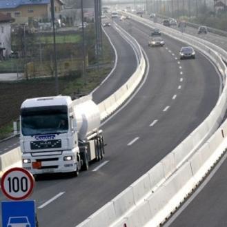 Povoljni uvjeti za vožnju i umjeren promet vozila karakterišu danas saobraćajnu situaciju u većem dijelu Bosni i Hercegovini.