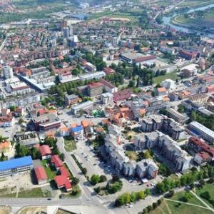 """Direktor Republičke agencije za razvoj malih i srednjih preduzeća Republike Srpske Marinko Đukić rekao je da ova agencija provodi program """"Prilika plus"""" u saradnji sa Vladom Švajcarske, koji je vrijedan 9.815.000 KM."""