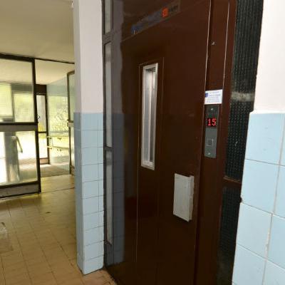 Ponovo u funkciji lift u stambenoj zgradi u ulici Semira Frašte