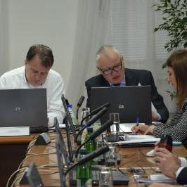 Vlada FBiH donijela je danas Odluku o usvajanju izmjene Programa investiranja sredstava naplaćenih izdavanjem GSM licence za 2011. godinu za Federaciju BiH.