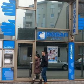 Isplata teče dobro, na šalterima nema gužvi, a jedan broj bivših štediša bijeljinske banke svoj novac deponuje u UniCredit banci, rekao je Rajčević.