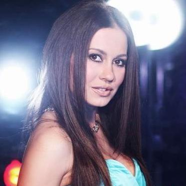 Nađa Muftić, voditeljica show programa na TRT