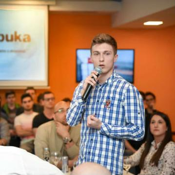 SPARK je bio prvi od tri domaćina iz BiH koji su zajedno s portalom BUKA uspješno organizirali javni talk show.