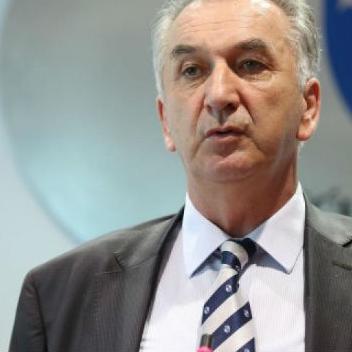 Šarović je podsjetio da je BiH bila pod jednom vrstom mjera ili sankcija Energetske zajednice po više osnova i da su te mjere uvedene u Tirani u oktobru 2015.