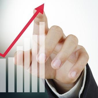 Industrija Republike Srpske ne propada i prošlogodišnji rast industrijske proizvodnje od 4,9 odsto pokazuje da ona postoji i da se razvija, izjavio je danas ministar industrije, energetike i rudarstva Srpske Petar Đokić.