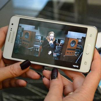 Blicnet - Nova ponuda telefona za neograničene razgovore u mreži!