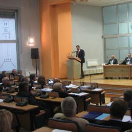 Na period od 90 dana, kako je zakonom propisano, Vlada je dala saglasnost za imenovanje vršilaca dužnosti na spomenute funkcije i uputila ih Skupštini Kantona Sarajevo na potvrđivanje.