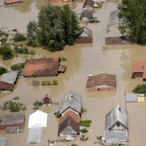 Vlada Distrikta odobrila novčanu pomoć za sanaciju poplavljenih kuća