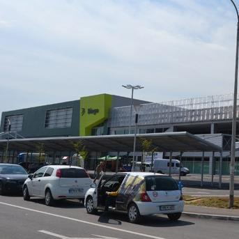 Izgradnja prodajnog objekta u Bužimu za Bingo iz Tuzle i proizvodnog objekta za Fis u Vitezu  predstavlja nastavak dugogodišnje uspješne poslovne saradnje između Širbegovića i dvije vodeće bh. kompanije.