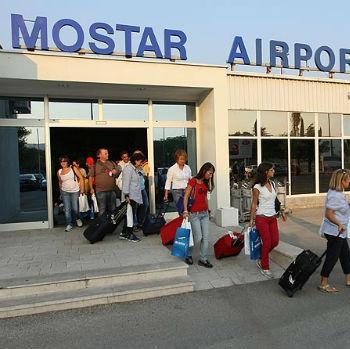 Aerodrom u Mostaru trenutno nudi putovanja u Rim, Bar i Napulj. U toku su i pregovori za linije ka Anconi, Milanu i Bejrutu.