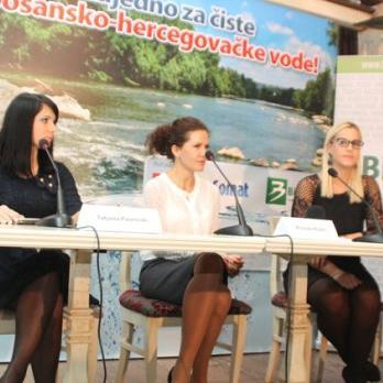 Kompanije Henkel i Bingo jučer su na konferenciji za novinare najavile angažman na projektu od društvenog značaja koji za cilj ima čišćenje rijeke Bosne u okolini Zenice.
