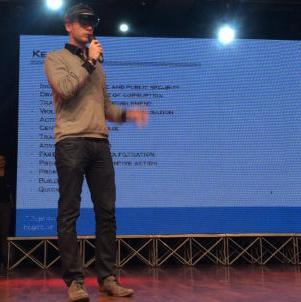 Tim inženjera IT odjela iz Mostara uradio je softversko rješenje na uređaju za proširenu stvarnost. Radi se o naočalama Microsoft Hololens.
