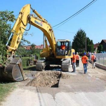 Historijski projekt za sve Bišćane: Počeli radovi na izgradnji kanalizacije