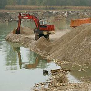 Agencija trenutno na području te općine implementira dva projekta prevencije od poplava. Radi se o čišćenju i sanaciji korita rijeke Sane na području naselja Tomina, te između gradskog i mosta u naselju Alagića Polje.