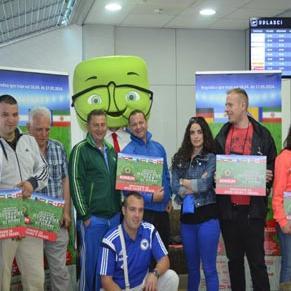 Sretni dobitnici Konzumove najvažnije sporedne nagradne igre na svijetu, danas su sa sarajevskog aerodroma otputovali u Brazil svim srcem bodriti reprezentaciju Bosne i Hercegovine u duelu sa Argentinom.