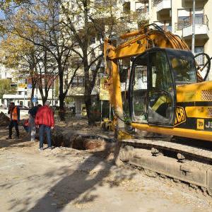 Nastavljeni radovi na postavljanju kolektora oborinskih voda u Mostaru
