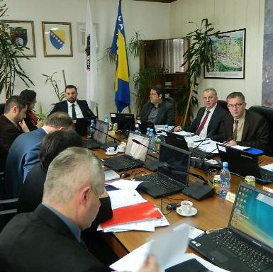Vlada je utvrdila Prijedlog programa javnih investicija Kantona Sarajevo 2015 – 2017. godine koji je prateći dokument Budžeta KS za 2015. godinu.