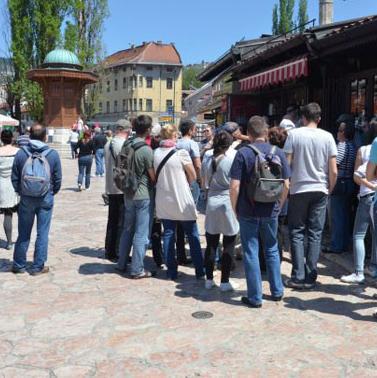 Sarajevo je u julu posjetilo 24.384 turista, što je za 8,6 posto više u odnosu na isti mjesec prošle godine. U glavnom gradu BiH u julu su boravili turisti iz 97 država svijeta, a najbrojniji su bili Turci