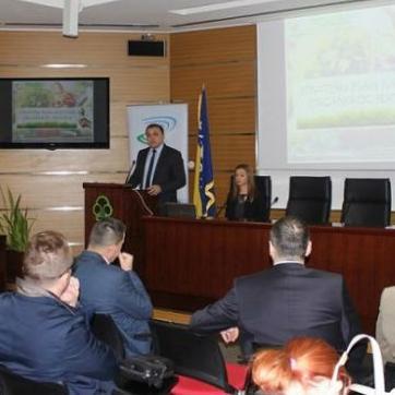 Federalno ministarstvo poljoprivrede, vodoprivrede i šumarstva i dalje će činiti napore da bismo uredili oblast organske proizvodnje.