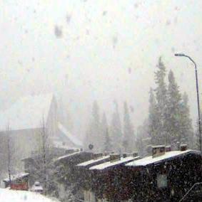 Staza Olimpijski veleslalom ili poznatija kao Skočine je i danas otvorena za skijanje.