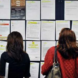 Najveći broj evidentirane nezaposlenosti čine lica sa trećim stepenom obrazovanja KV radnici 33,62%.