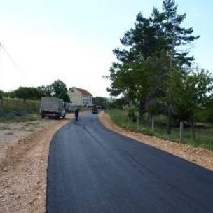 Otvorene ponude za asfaltiranje cesta oko Buškog jezera