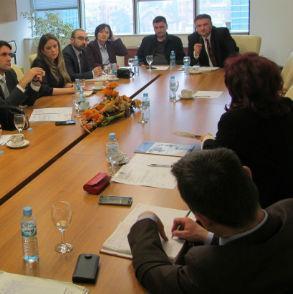 Gluhaković je rekao da se unapređenjem razvoja trgovine na području RS mogu očuvati postojeća radna mjesta, stvoriti uslovi za nova zapošljavanja i smanjiti spoljnotrgovinski deficit.
