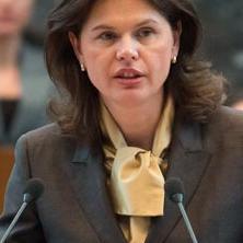 Alenka Bratušek - Po premijerski mandat došla u hlačama