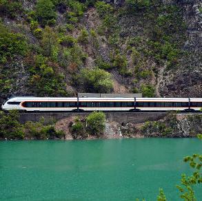 Nakon uspješno izvršenih priprema i obavljenih testnih vožnji, voz će, za sada, saobraćati po redu vožnje 714/715na relaciji Sarajevo-Doboj.