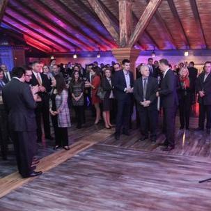 Američka trgovačka komora BiH ugostila je predstavnike kompanija, organizacija i nevladinog sektora koji su se uključili u inicijativu pomoći poplavljenim područjima BiH.