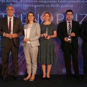 Nagrade su dodijeljene u šest kategorija: najuspješnijoj banci, društvu za osiguranje i mikrokreditnoj organizaciji te najuspješnijim menadžerima iz ove tri oblasti.