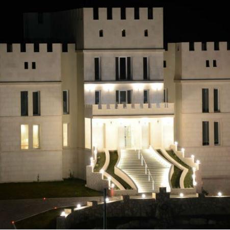 Zavirite u luksuz na obali Trebišnjice: Na prodaju Draškovićeva rezidencija