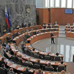 Slovenski parlament odobrio dvodnevni odmor uz Novu godinu