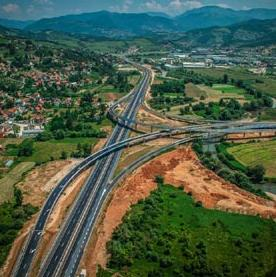 The federal government confirmed yesterday the proposals of three decisions relating to the allocation of international loans for the construction of the Sarajevo bypass to the Federation.