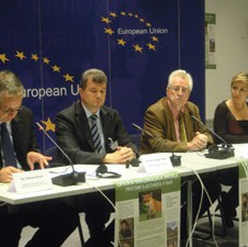 Ozvaničen početak kampanje oralne vakcinacije lisica u BiH protiv bjesnila