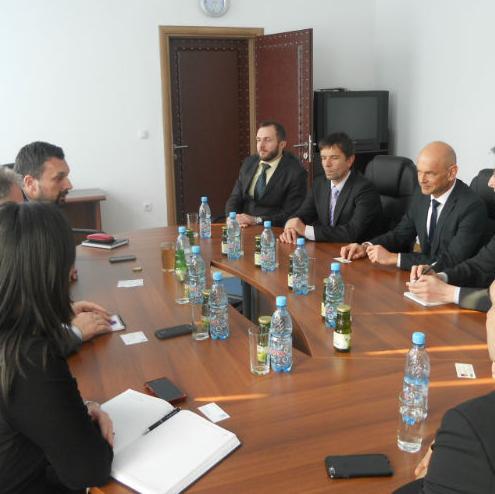 Predstavnici IBM-a, jedne od vodećih svjetskih kompanija u svijetu računarstva i informacionih tehnologija zajedno sa Sarajevskim tehnološkim parkom HUB 387 posjetili su jučer Kanton Sarajevo