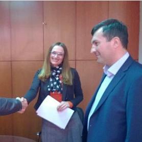 Načelnik Općine Sanski Most, dr. Mustafa Avdagić, potpisao je u Sarajevu nekoliko vrijednih ugovora vezanih za realizaciju infrastrukturnih projekata u sanskoj općini u narednom periodu.